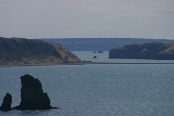 嶮暮帰島と本土の間の海峡