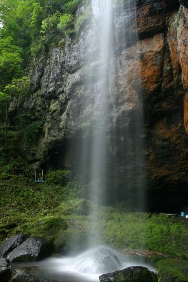 山彦の滝 真横からの撮影した写真