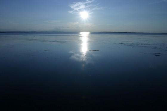 独特の青さをもつサロマ湖「サロマン・ブルー」