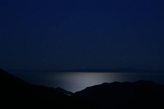 月明かりに輝く根室海峡