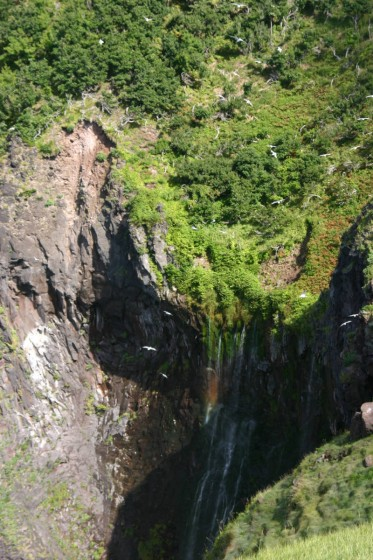 フレペの滝(乙女の涙) 断崖の隙間から水が染み出てくる 2006年撮影