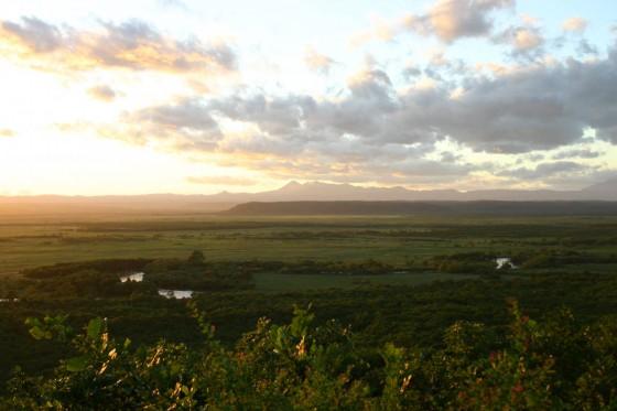 釧路湿原の夕景。太陽が沈む前。細岡展望台より。2005年撮影