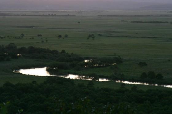 釧路湿原の夕景。太陽が沈んだ直後 細岡展望台より。2005年撮影