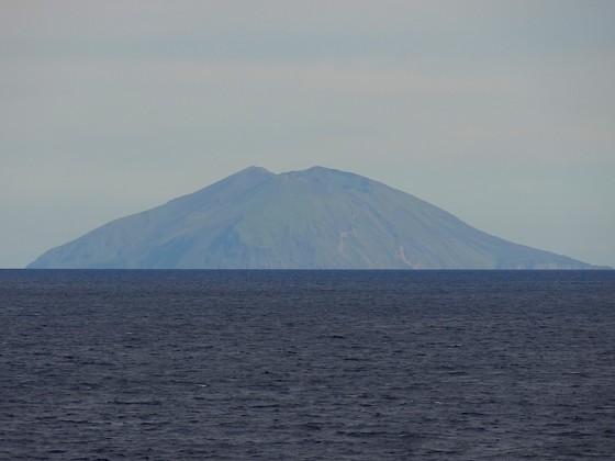 渡島大島(Wikipediaより引用)